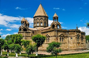 Ejmiadzin_Cathedral2