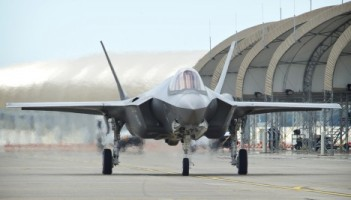 F-35A-front-taxi1-468x267