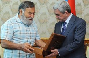 zory-balayan-serj_http://lratvakan.com
