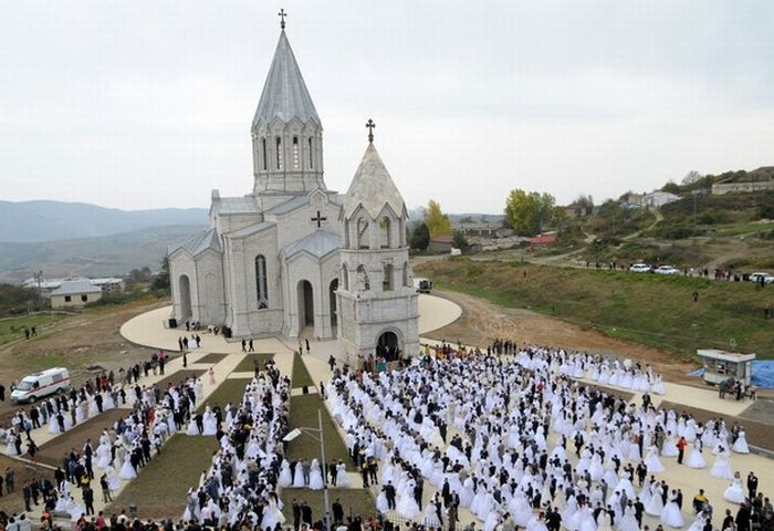 AZERBAIJAN-KARABAKH-MASS-WEDDING