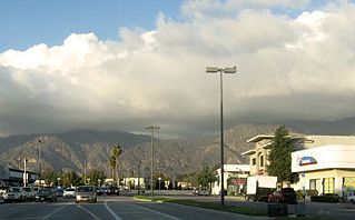 350px-San_Gabriel_Mountains_from_eastern_Pasadena