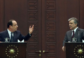 Hollande onuruna Cankaya Kosku'nde aksam yemegi
