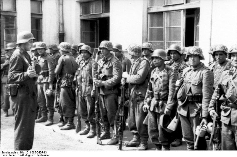Warschauer Aufstand, Aufstellung von Soldaten