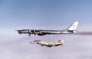 F-4J_VMFA-251_Tu95D_1982