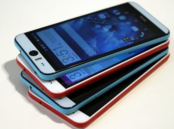 Фотография идата презентации телефона HTC Desire 10 Pro