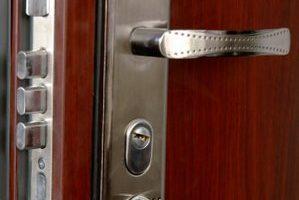 zamok-v-dvery