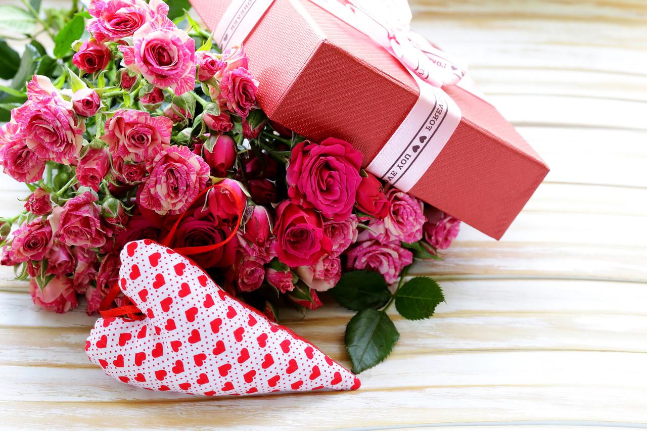 как поздравить жену с днем знакомства
